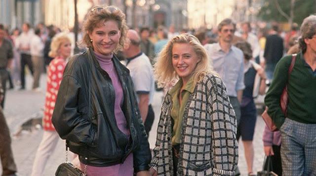 Это были 90-е. Мы одевались, как могли!