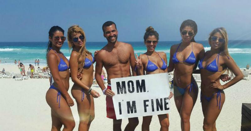 Безработный путешественник придумал клевый способ сообщать маме, что он жив-здоров