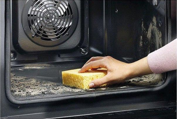 Картинки по запросу Кто ненавидит чистить духовку, полюбит этот прием. Сияющий блеск без лишних усилий
