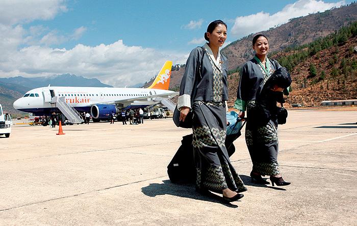 Высокие стандарты: стюардессы из разных стран мира