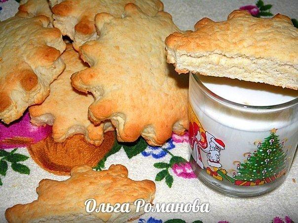 Рассыпчатые молочные коржики с кокосовой стружкой