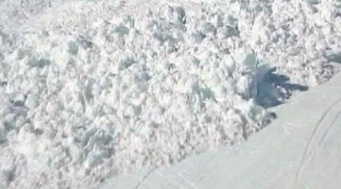 После сильнейшего за 30 лет шторма на Шпицбергене сошла лавина