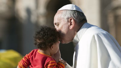 Папа Римский отказался от паспорта дипломата