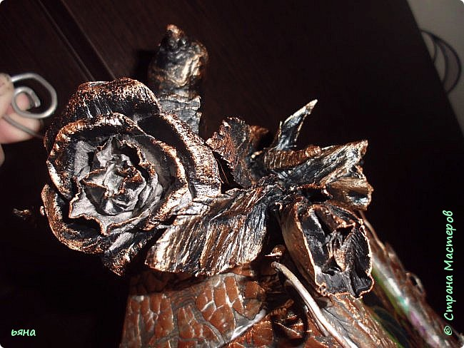 Мастер-класс Бумагопластика Кованая роза из туалетной бумаги Бумага Диски ватные Клей Краска Проволока фото 3