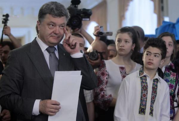 Говорю только по-русски: сынишка Порошенко опозорился, предав отца новости,события,новости,общество,политика