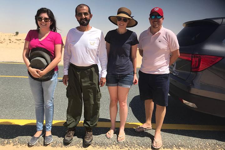 Вице-президент ОАЭ спас туристов, застрявших в пустыне