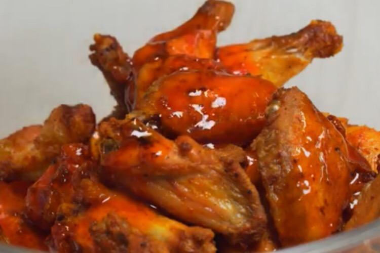 Обалденные крылышки в остром медовом соусе