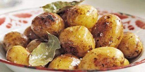 Рецепты: Молодая картошка, тушенная в вине