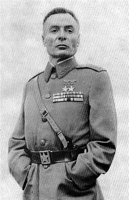 Василий Петров — единственный в мире офицер, воевавший без рук Великая Отечественная Война, архивные фотографии, вторая мировая война