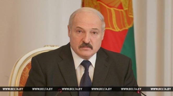 Лукашенко приказал посадить десяток человек за повышение тарифов ЖКХ