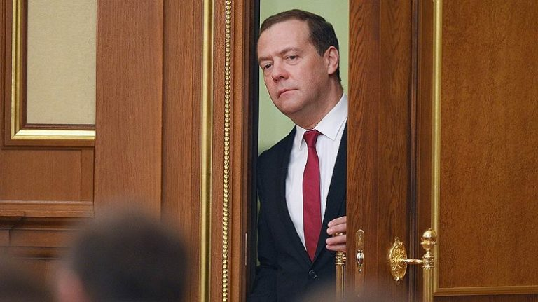 Медведев предлагает очередно…