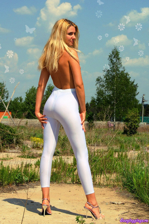 blondinki-v-belih-obtyagivayushih-shtanah-foto-yaponskoe-luchshee-lesbi-porno-video