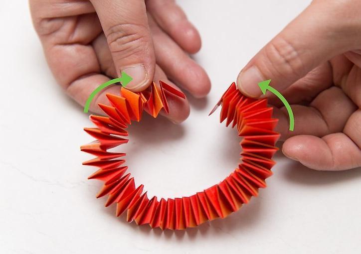 браслеты из цветной бумаги алисы