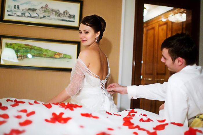 Резултат с изображение за Хочешь узнать, за кого вышла замуж? Подай на развод!