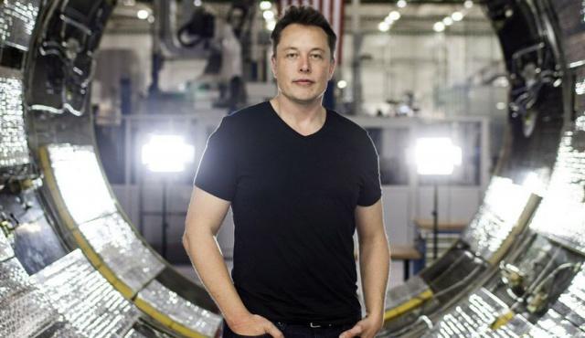 Маск отправит людей на Марс в 2025 году