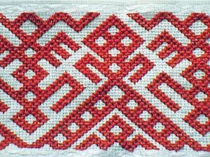 Традиционная вышивка: знакомство с пудожским крестом