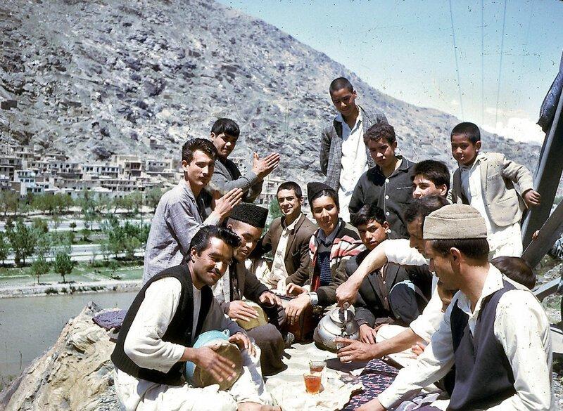 Пикник с чаем и музыкой афганистан, жизнь, кабул, мир, прошлое, фотография, фотомир