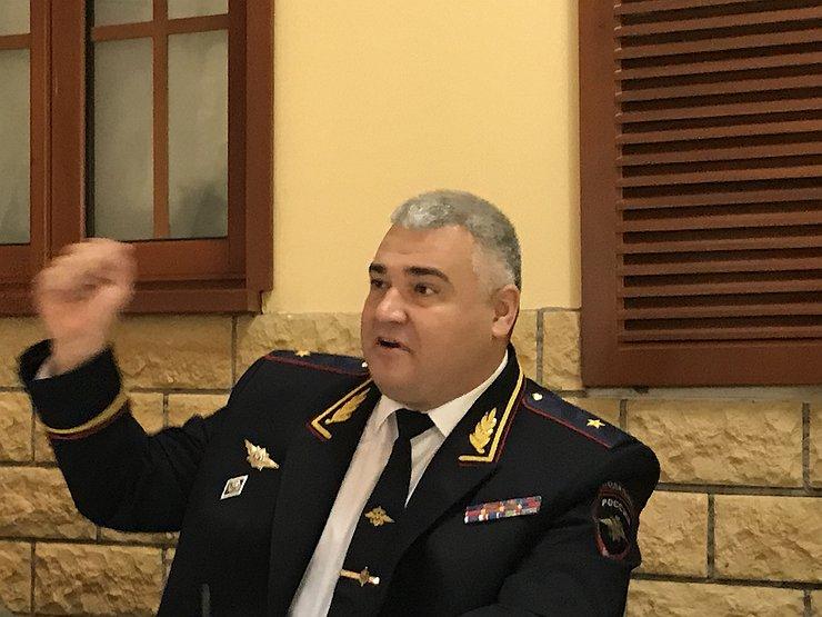 Генерал Черников разрешил фотографировать сотрудников ГИБДД