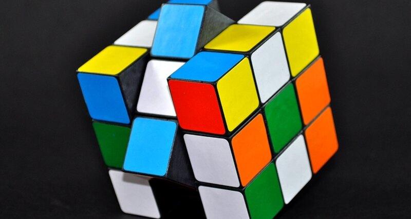 Изобретение кубика Рубика: история великой головоломки