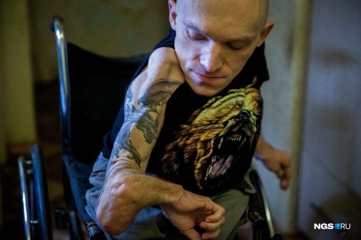 Человек из стекла: мальчик с очень редкой болезнью вырос и стал мастером на все руки Сергей Лезнёв, в мире, история, люди, мастер, сила воли, талант