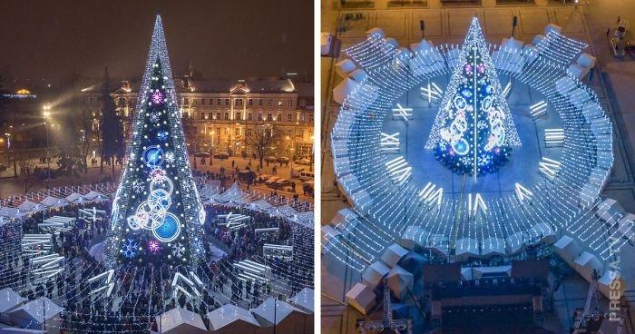 Необычная рождественская елка с часами в Вильнюсе