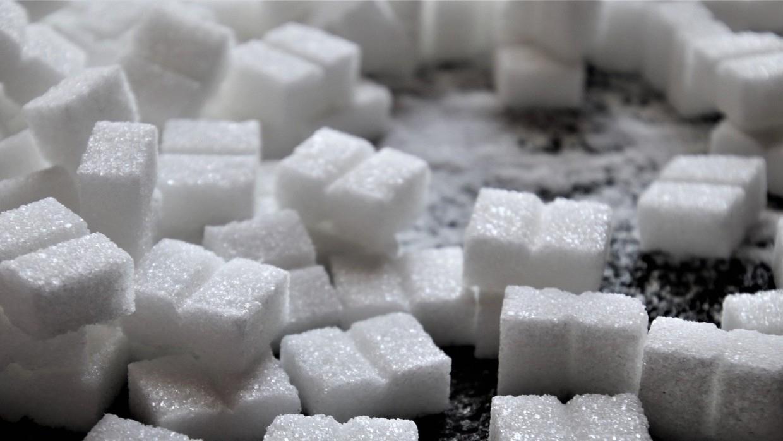 Первые 37,4 тысячи тонн импортного сахара ввезли в Россию Экономика
