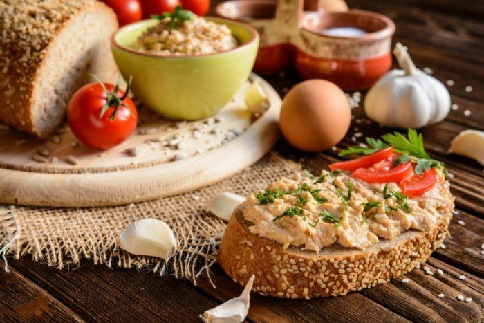 Паштет из свиной печени с овощами.  Фото: chefmarket.ru.