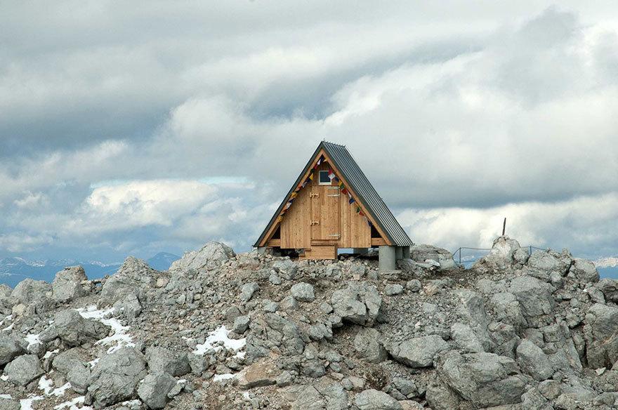 Бесплатная хижина в Альпах всегда рада гостям