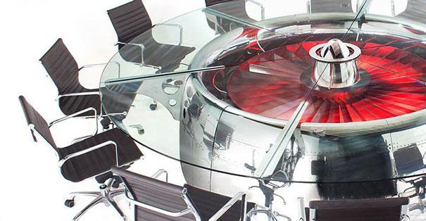 Двигатель боинга, переделаный в обалденный офисный стол. Это действительно круто и стильно, вне всяких сомнений2