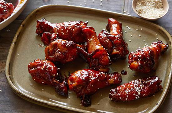 Куриные крылышки в соусе из меда и виски