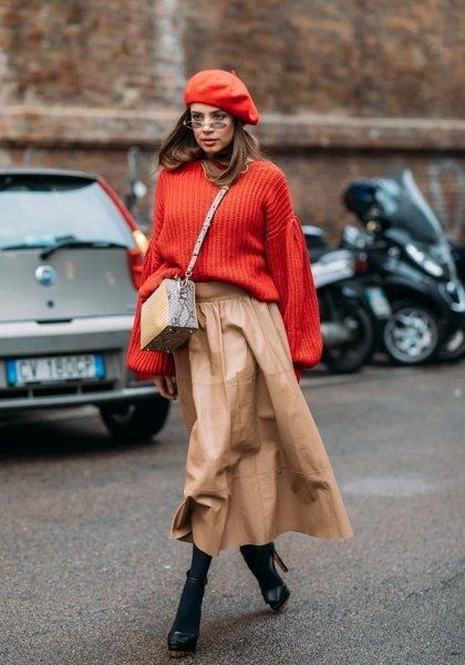 Французский шик: 11 стильных образов с беретом для самых искушенных модниц