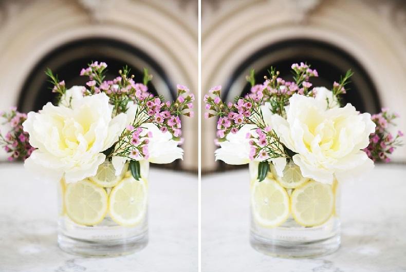 Как создать мини-композицию из цветов и лимонов