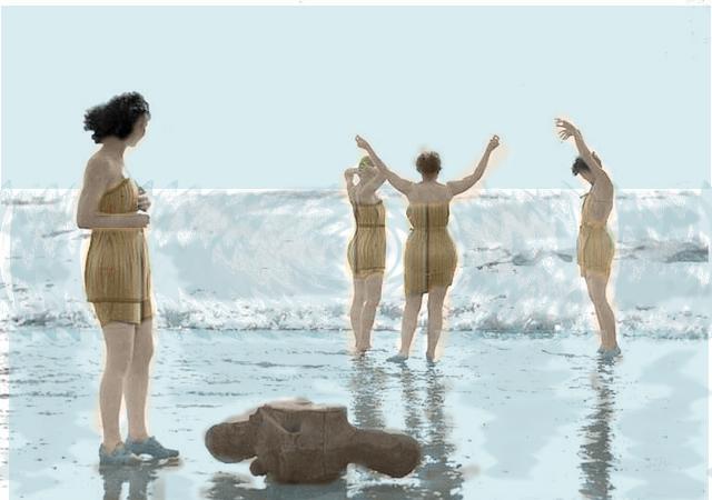 Деревянные купальники…