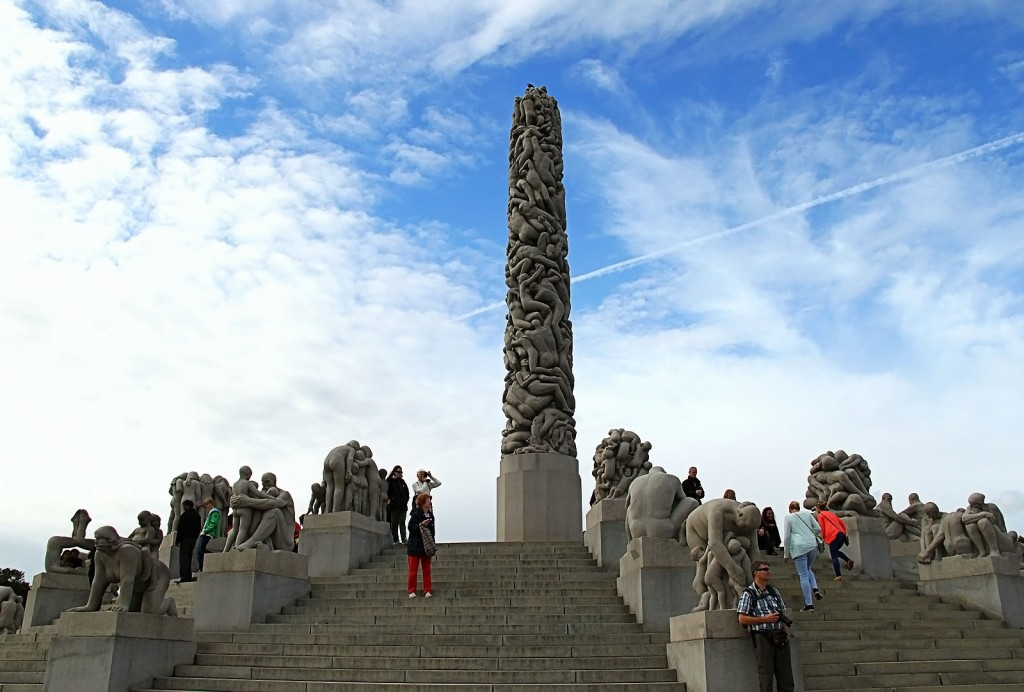 Парк скульптур Вигеланда в Осло (Серия из 13 снимков)