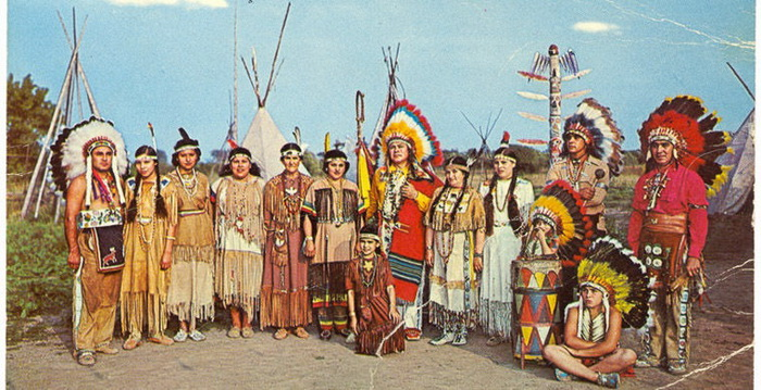 Пронзающий Огонь вместе со своим племенем