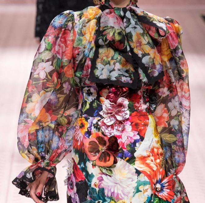 нежная великолепная блузка из набивного шифона с цветами