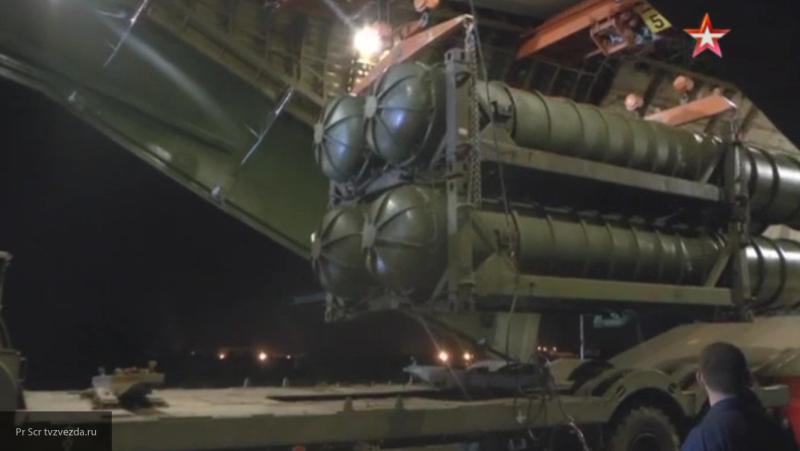 Опубликованы кадры выгрузки российских С-300 в Сирии