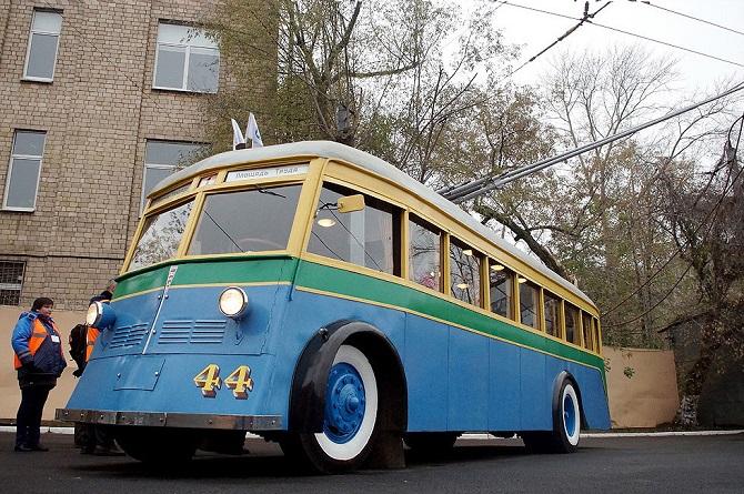 Парад ретро-троллейбусов в Москве