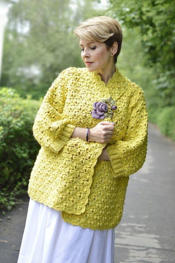 10 стильных вязаных жакетов и свитеров для дам элегантного возраста