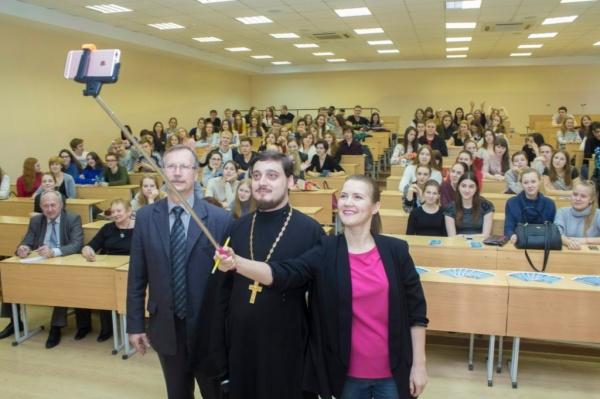 Патриарх Кирилл предложил на…