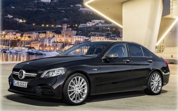 Седан Mercedes-AMG C43 обновился и стал мощнее