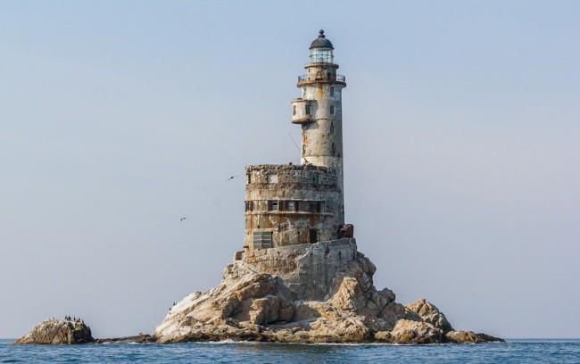 25. Атомный маяк на мысе Анива (Сахалин) интересное, история, поучительное, факты