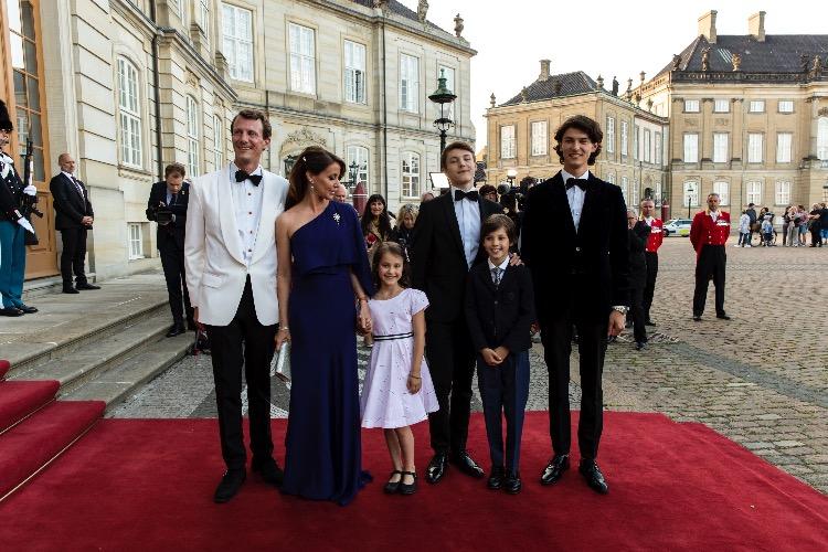 Принцу Датскому Хенрику 12 лет: новый портрет сына принца Иоахима и принцессы Мари и интересные факты Монархи,Новости монархов