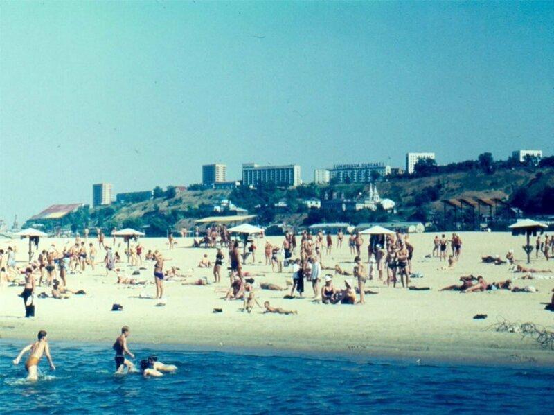 Городские пляжи СССР: раньше и теперь