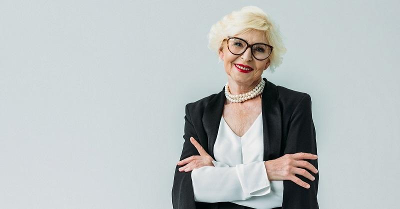 «Я зрелая женщина, я многого достигла и теперь наслаждаюсь собой», — манифест красивой француженки 50 лет