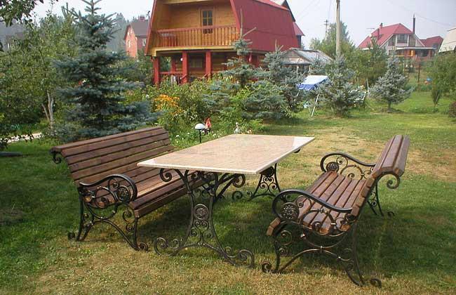 Мебель для загородного дома: виды и советы по выбору