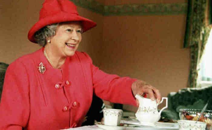9. Чай с сахаром ЕлизаветаII, королевское меню, ограничения в диете