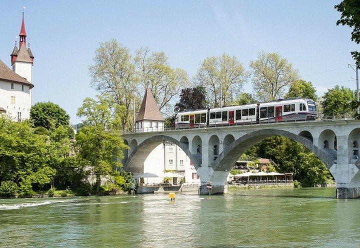 Скандал: швейцарские миллионеры против мигрантов