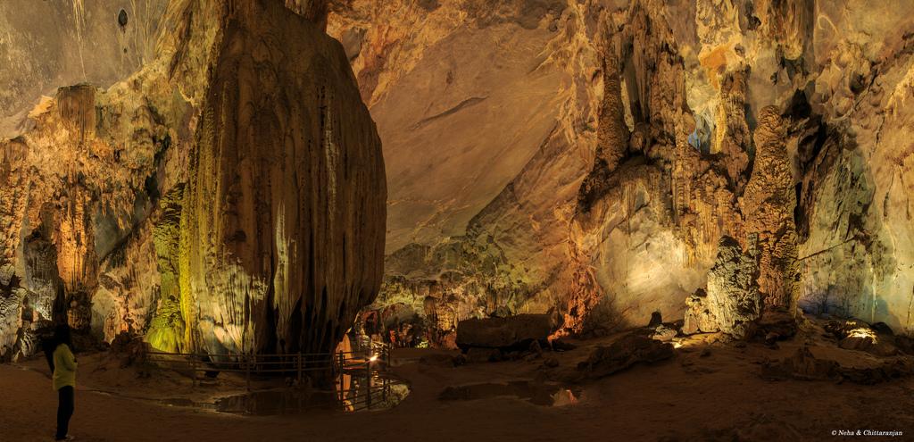 Подземный мир, обнаруженный случайно красота, пещера, туристы