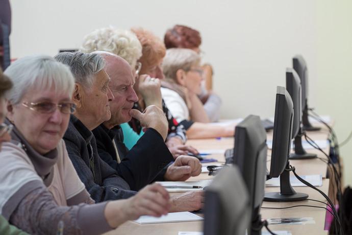 Что думают пенсионеры об интернете?